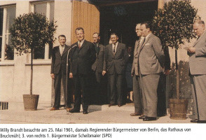 Willy Brandt besuchte am 25.Mai 1961 das Rathaus von Bruckmühl